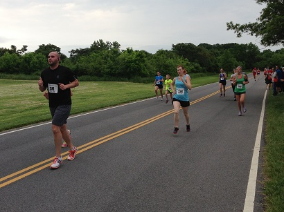Runnershead to the finish line at the Semper Fi 5k.                  Photo: Erin Masterson