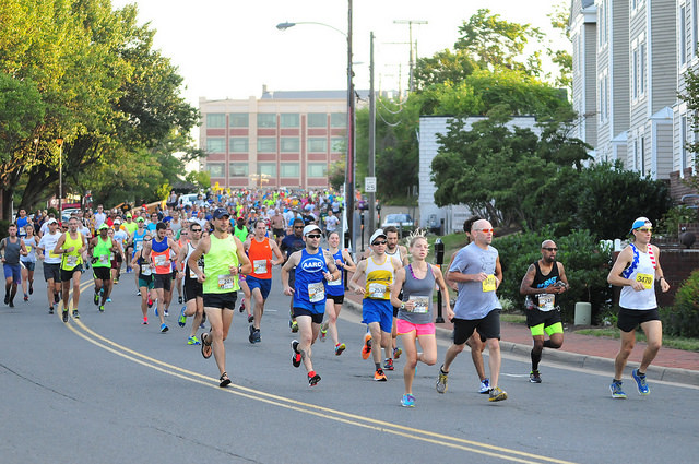 Runners head out toward the W&OD Trail at the start of the Leesburg 20k. Photo: Dustin Whitlow