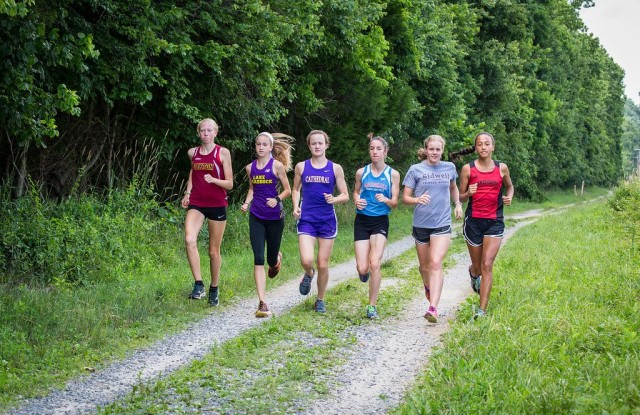Casey Kendall, Kate Murphy, Page Lester, Heather Holt, Taylor Knibb and Devon Williams. Photo : Dustin Whitlow/D.Whit Photography