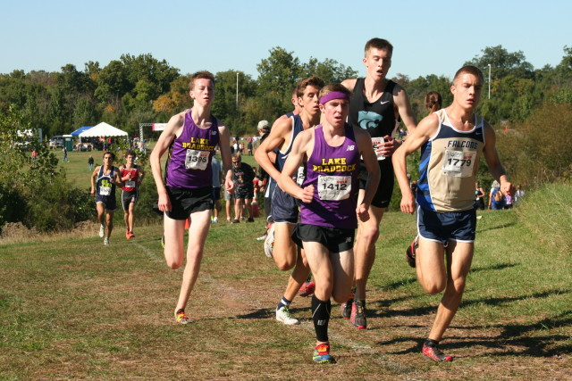 From left: Conor Lyons, Andrew Forsyth, Colin Shaefer, Dan Horoho and Jack Wavering approach the two mile mark at the Glory Days Invitational. Photo: Charlie Ban