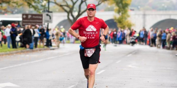 Alex Hetherington at mile 16 of the 2015 Marine Corps Marathon. Photo: Cheryl Young