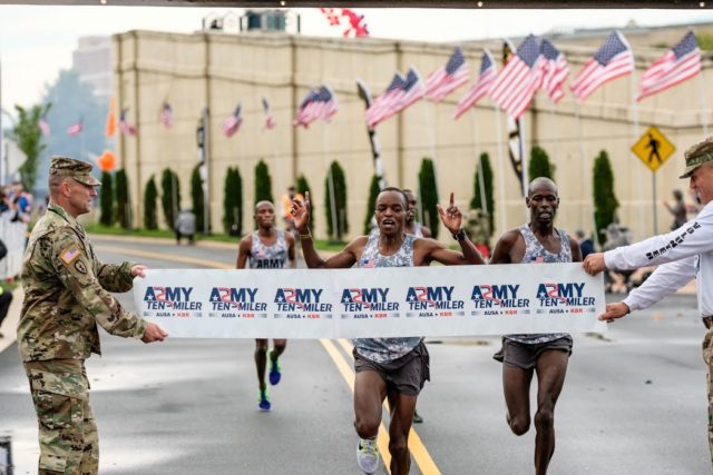 Augustus Maiyo edges Robert Cheseret for the 2016 Army Ten-Miler title. Photo: Dustin Whitlow/DWhit Photography