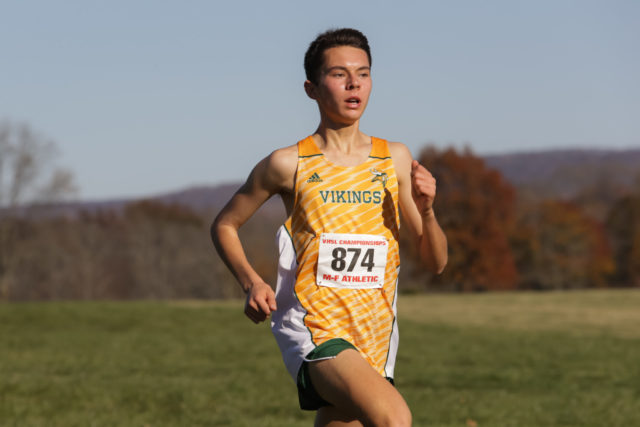 Peter Morris heads for home in the 4A race. Photo: Bruce Buckley