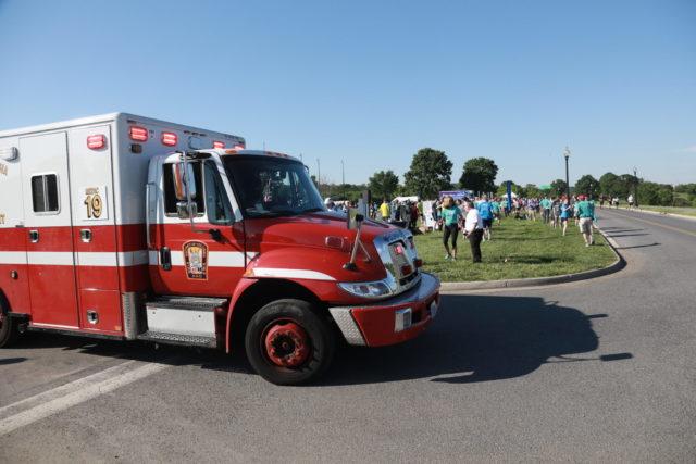 Emergency personnel Photo: Bob Burgess